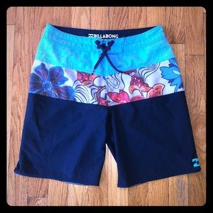 Billabong board shorts -size 28